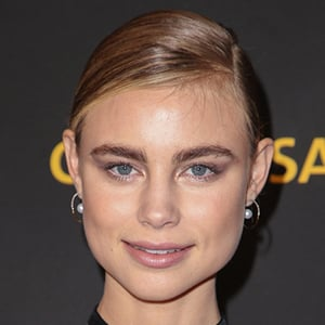 Lucy Fry 7 of 10