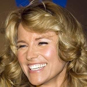Lucy Lawless 8 of 10