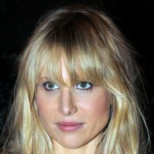 Lucy Punch 10 of 10