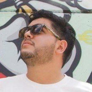 Luis Abate Headshot 7 of 10