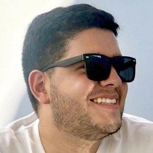 Luis Abate Headshot 10 of 10