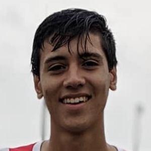 Luis Farias Headshot 6 of 10