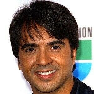Luis Fonsi 4 of 8