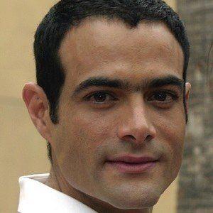 Luis Roberto Guzmán 3 of 3