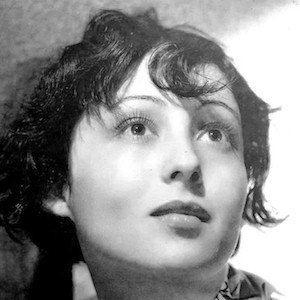 Luise Rainer 2 of 10