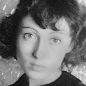 Luise Rainer 7 of 10
