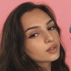 Luiza Cordery 2 of 7