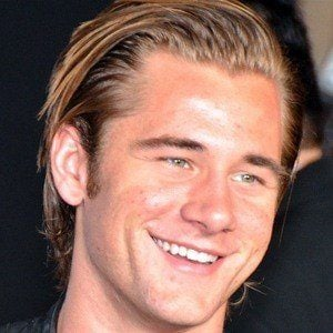 Luke Benward 8 of 10