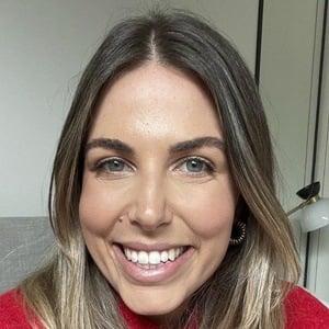 Lyndi Cohen Headshot 7 of 10