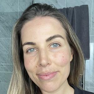Lyndi Cohen Headshot 8 of 10