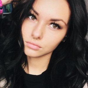 Maddie Capozza 3 of 9