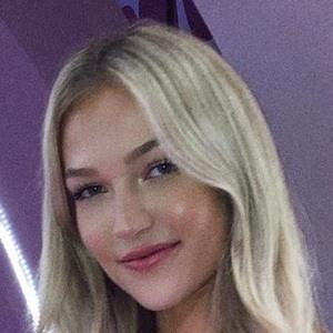 Maddie Cidlik Headshot 10 of 10