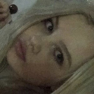 Maddie Lambert 3 of 5
