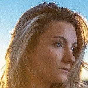 Maddie Mayo Headshot 2 of 3