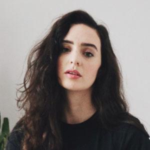 Madeleine Olivia 2 of 5