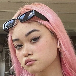 Madeleine San Headshot 5 of 10