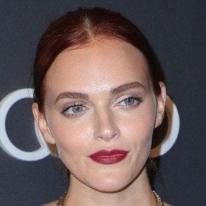 Madeline Brewer 4 of 5