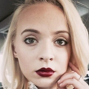 Madilyn Bailey 3 of 8