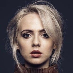 Madilyn Bailey 6 of 8