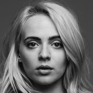 Madilyn Bailey 7 of 8