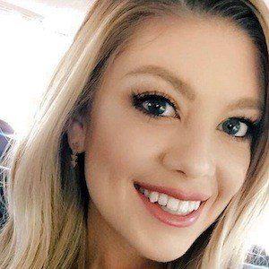 Madison Miller Headshot 2 of 10