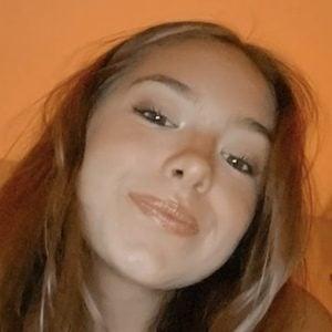 Madison Vanderveen 2 of 5