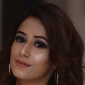 Maera Mishra 2 of 4