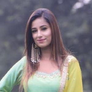 Maera Mishra 3 of 4