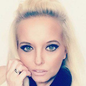 Magda Kaminski Headshot 4 of 6