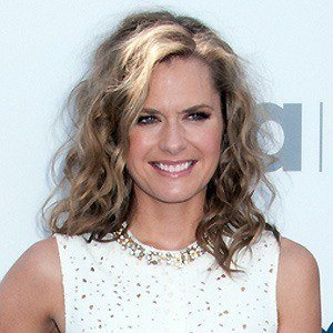 Maggie Lawson 5 of 10