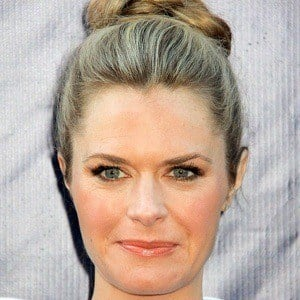 Maggie Lawson 8 of 10