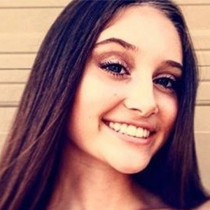 Makayla Phillips 5 of 7