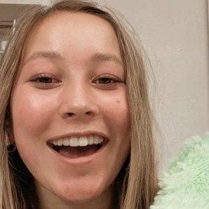 Malia Brauer Headshot 9 of 10