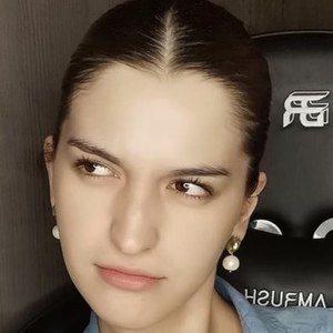 Marcela Figueroa Headshot 4 of 10