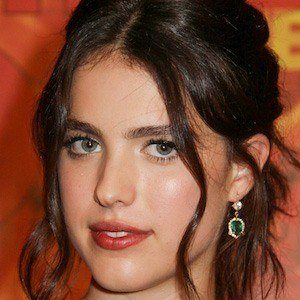 Margaret Qualley 2 of 3