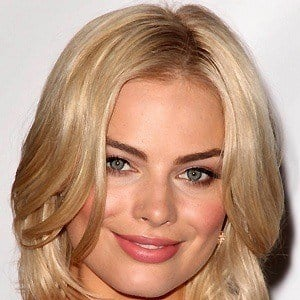 Margot Robbie 4 of 10