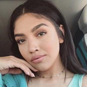 Maria Gloria 2 of 5