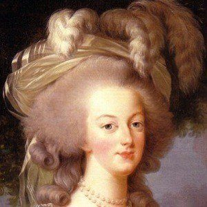 Marie Antoinette 3 of 5