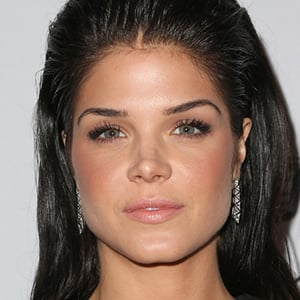 Marie Avgeropoulos - B...