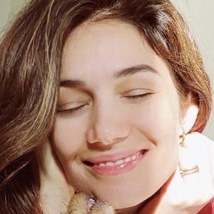 Mariela Garriga Headshot 3 of 10