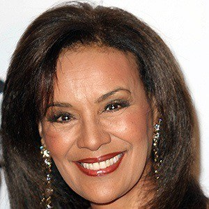 Marilyn McCoo 4 of 5