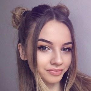 Marlenka Sojka 3 of 6