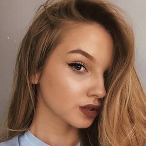 Marlenka Sojka 5 of 6