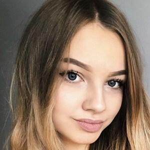 Marlenka Sojka 6 of 6