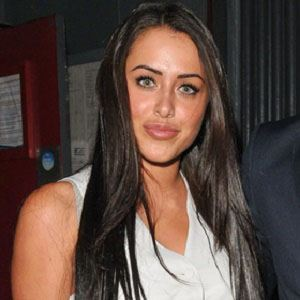 Marnie Simpson earned a  million dollar salary, leaving the net worth at 0,5 million in 2017