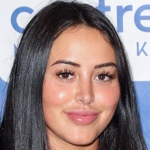 Marnie Simpson 6 of 7