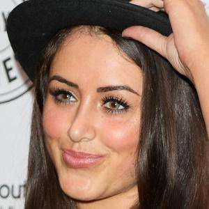 Marnie Simpson 8 of 9