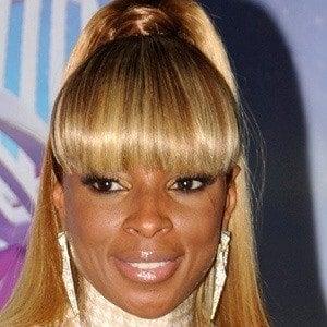 Mary J. Blige Headshot 4 of 10