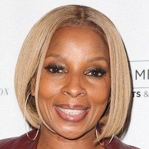 Mary J. Blige Headshot 6 of 10