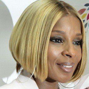 Mary J. Blige Headshot 7 of 10
